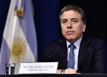 Nicolás Dujovne presentó su renuncia como ministro de Hacienda de Argentina. Foto: sol915.com.ar