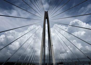 El nuevo puente que se extiende por el Canal de Panamá se oberva en Colón, Panamá, el viernes 2 de agosto de 2019. Foto: Eric Batista / AP.