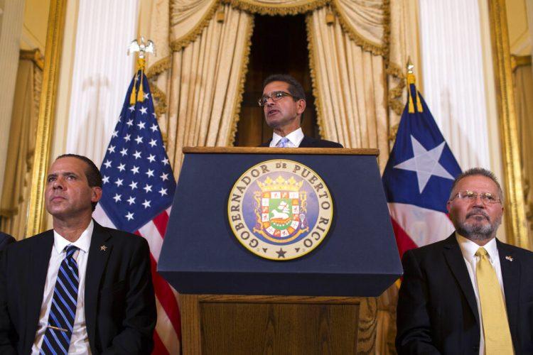 Pedro Pierluisi, juramentado como gobernador de Puerto Rico, habla durante una conferencia de prensa en San Juan, Puerto Rico, el viernes 2 de agosto de 2019. Foto: Dennis M. Rivera Pichardo / AP.