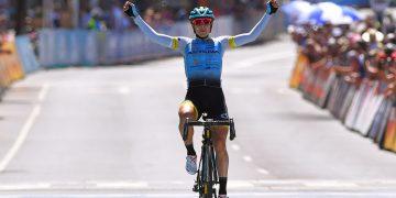 La cubana Arlenis Sierra, del club profesional Astana, es una de las principales ruteras del mundo en la actualidad. Foto: cyclingtips.com / Archivo.