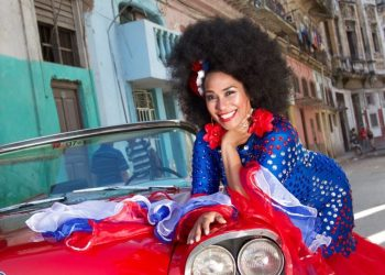 La cantante cubana Aymée Nuviola. Foto: Tomada del perfil de Facebook de la artista.