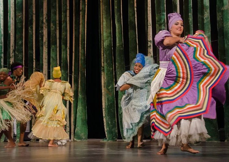 Compañía de danzas tradicionales de Cuba JJ