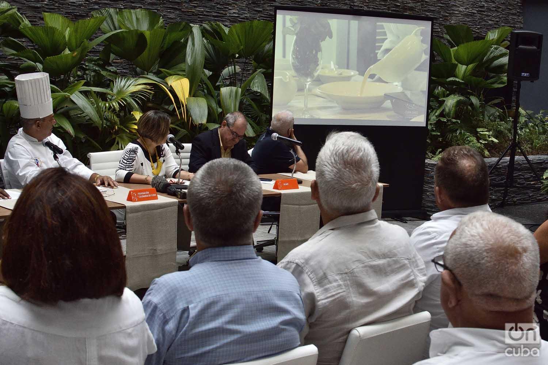 Conferencia de prensa del segundo Taller Culinario Cuba Sabe, realizada en el hotel Iberostar Grand Packard de La Habana, el viernes 6 de septiembre de 2019. Foto: Otmaro Rodríguez.