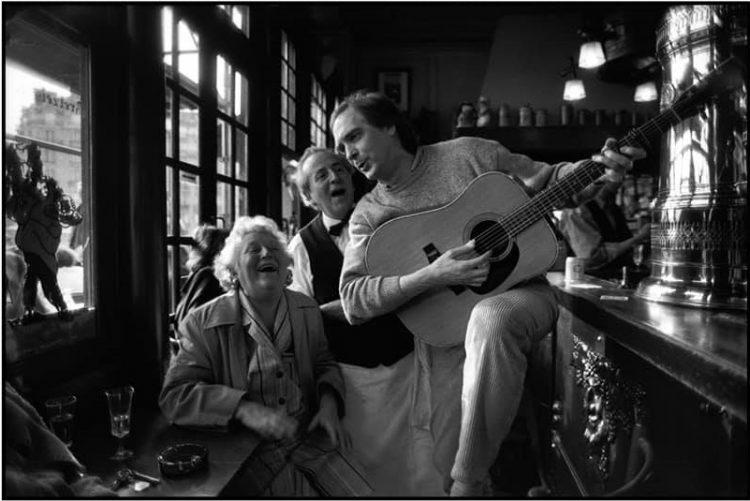 Bar en París-Peter Turnley