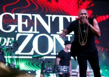Alexander Delgado durante el concierto de Gente de Zona en el Malecón de La Habana, el sábado 7 de septiembre de 2019. Foto: Ernesto Mastrascusa / EFE.