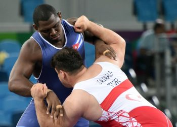 El luchador cubano Mijaín López (i), confirmó su retiro tras los Juegos Olímpicos de Tokio 2020. Foto: Ricardo López Hevia / Archivo.
