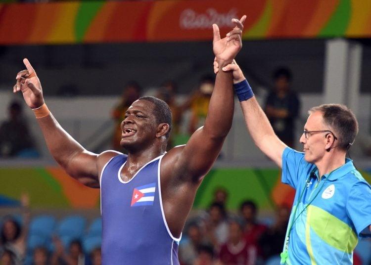 Tras lograr su tercer cetro olímpico en Río de Janeiro 2016, el luchador Mijaín López buscará su cuarto título en Tokio 2020. Foto: Ricardo López Hevia / Archivo.