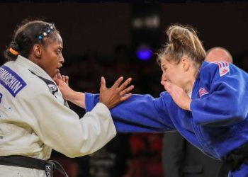 La cubana Kaliema Antomarchi (izq) combate frente a la británica Natelie Powell en la final del Gran Slam de Brasilia, el 8 de octubre de 2019. Foto: ijf.org