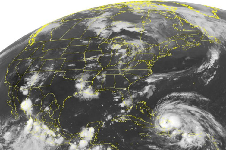 Esta foto de satélite del 24 de agosto del 2011 muestra al huracán Irene. Foto: AP/Archivo OnCuba
