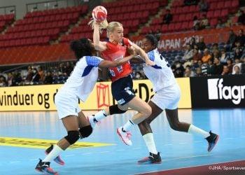 Noruega atacó con todo a Cuba en el inicio del Mundial de balonmano femenino en Japón. Foto: IHF.