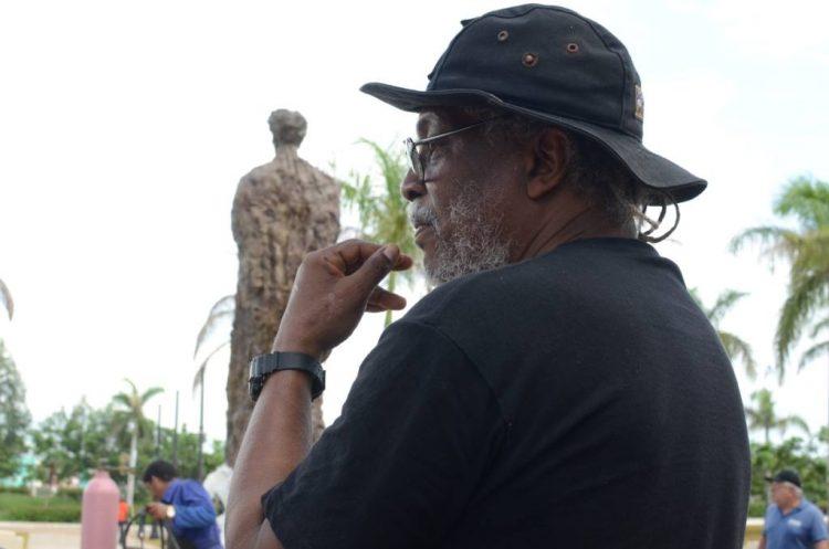 El escultor Alberto Lescay. Foto: FB del artista.