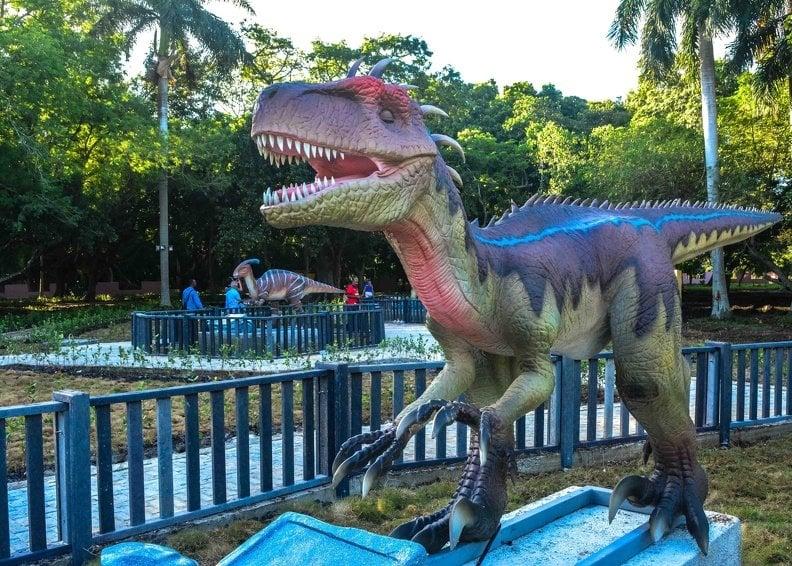 Réplicas animadas de dinosaurios, instalada en el Parque Forestal de La Habana, que reabrió sys puertas el domingo 17 de noviembre de 2019. Foto: Yaciel de la Peña / ACN.