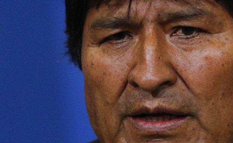 El presidente de Bolivia, Evo Morales, habla durante una conferencia de prensa en la base militar en El Alto, en las afueras de La Paz, Bolivia, el domingo 10 de noviembre de 2019. Foto: Juan Karita/AP.