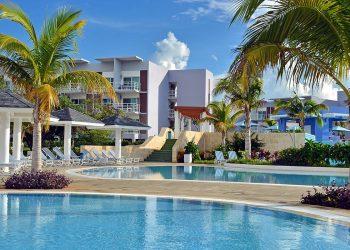 Grand Aston Cayo Las Brujas es uno de los cinco hoteles añadidos hoy a la lista. Foto: cubatravelds.com