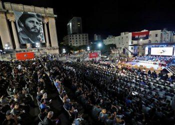 Cuba conmemoró este lunes el tercer aniversario del fallecimiento de Fidel Castro (1926-2016), con numerosos actos de homenaje para recordar su legado a lo largo de todo el país. Foto: Yander Zamora/EFE