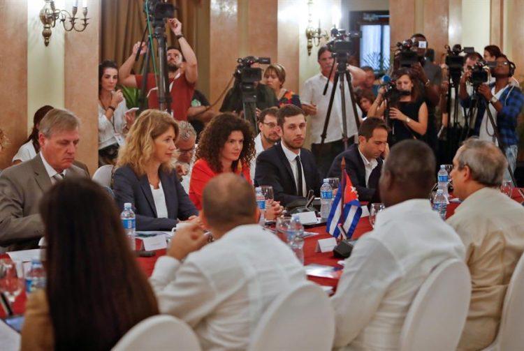 El Gobierno cubano y la Unión Europea celebraron en La Habana el II Diálogo Político sobre la Imposición de Medidas Coercitivas Unilaterales, en medio de crecientes presiones económicas de EEUU sobre la isla. Foto: EFE/Yander Zamora