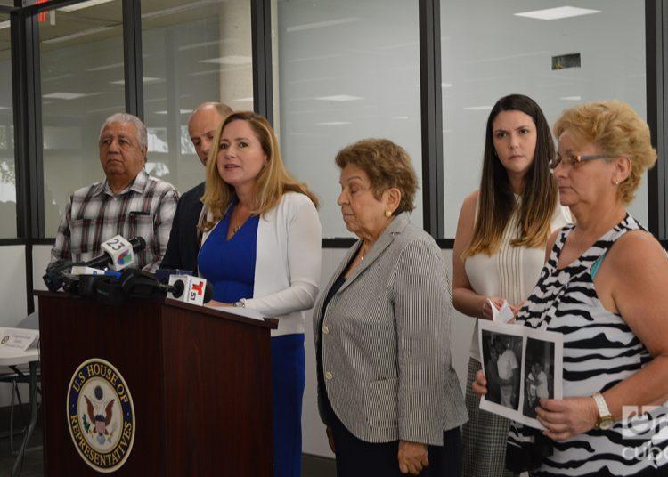Las congresistas demócratas Debbie Mucarsel-Powell y Donna Shalala encabezan esta iniciativa. Foto: Marita Pérez Díaz.