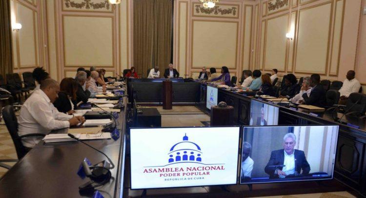 Sesión del Consejo de Estado, presidida por el presidente Miguel Díaz-Canel. Foto: parlamentocubano.gob.cu