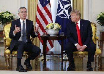 El presidente de Estados Unidos, Donald Trump, y el secretario general de la OTAN, Jens Stoltenberg, se reúnen en Winfield House, Londres, el 3 de diciembre de 2019. Foto: Evan Vucci/AP.