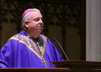 El cubanoamericano Nelson Pérez, ahora arzobispo de Filadelfia, cuando ejercía como obispo de Cleveland. Foto: Vatican News / Archivo.