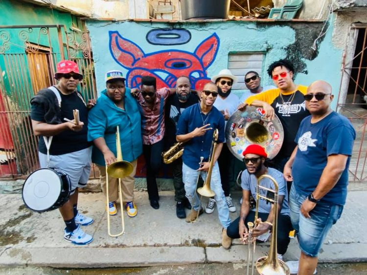 The Soul Rebels con Cimafunk en La Habana. Foto: @thesoulrebels/FB.