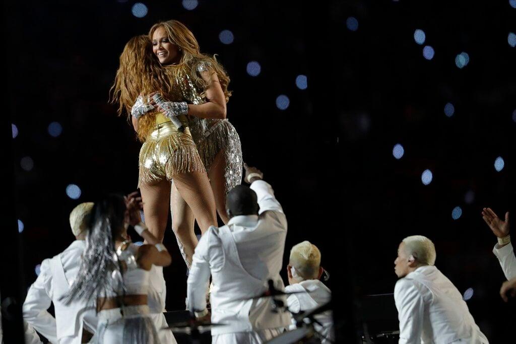 Jennifer López y Shakira en el Super Bowl. Foto: John Bazemore/AP.