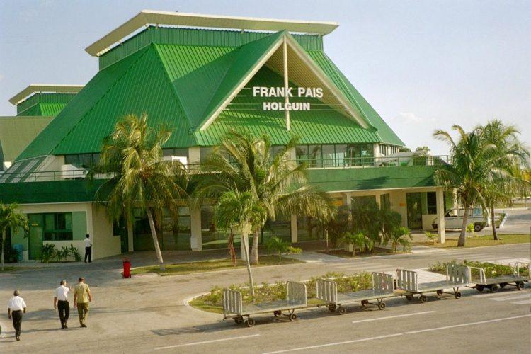 Vista del  aeropuerto internacional Frank País, de Holguín. Foto: https://mapio.net/
