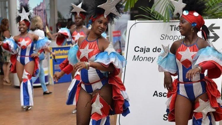 """Otros """"usos"""" de la bandera cubana. Foto: Raquel Pérez."""