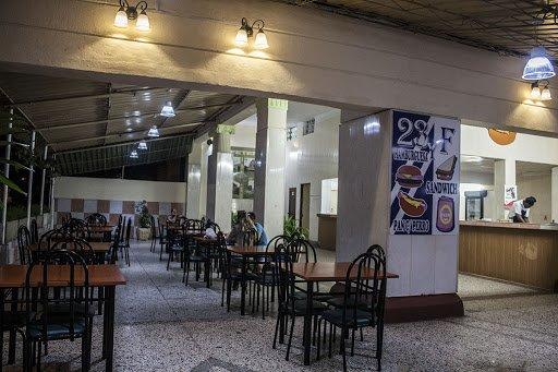 Cafeteria de F y 23, Vedado. Foto: trabajadores.cu