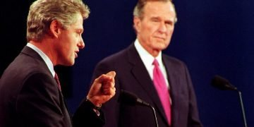 Debate entre William Clinton y Goerge Bush. Foto: PBS.