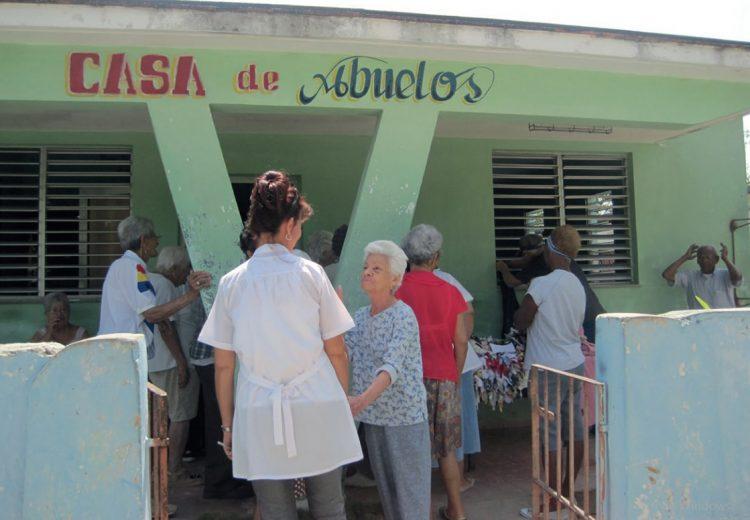 Casa de abuelos en Cuba, para la atención de personas de la tercera edad. Foto: iris.paho.org / Archivo.