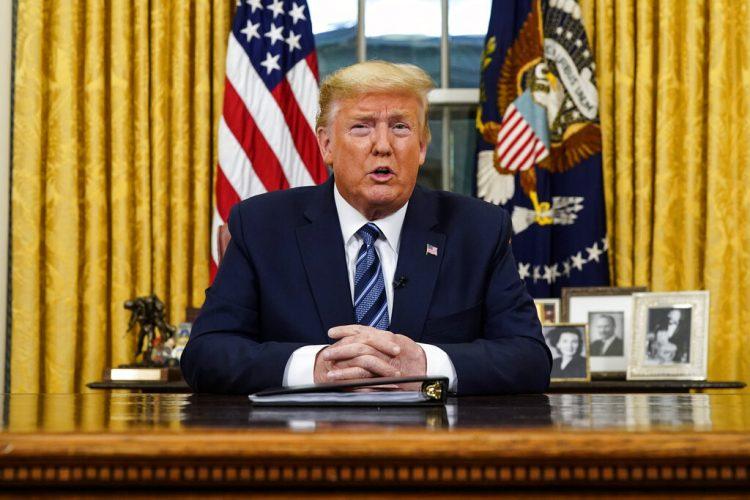 El presidente Donald Trump se dirige a la nación desde la Oficina Oval de la Casa Blanca, el miércoles 11 de marzo de 2020, en Washington. Foto: Doug Mills/The New York Times vía AP.