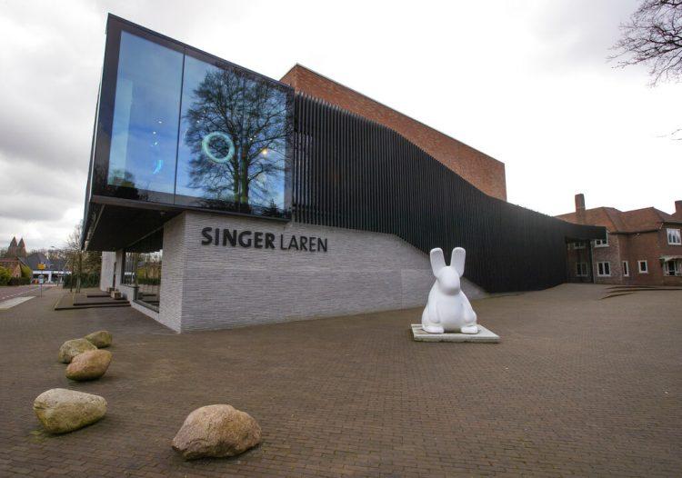 El museo Singer Laren, en Laren, Holanda, de donde fue robada una pintura de Vincent van Gogh aprovechando lçsu cierre por la pandemia de coronavirus, el lunes 30 de marzo del 2020. Foto: Peter Dejong / AP.