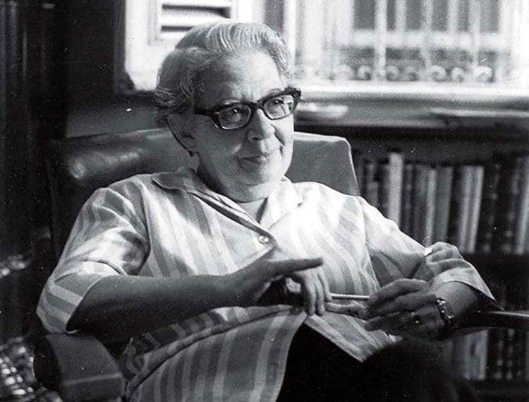 La poetisa, ensayista, profesora y periodista cubana Mirta Aguirre. Foto: poesi.as / Archivo.