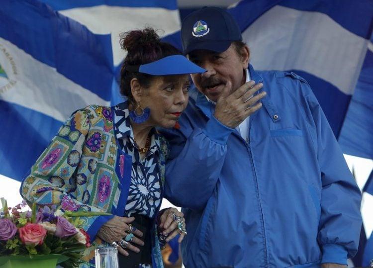 Daniel Ortega, presidente y Rosario Murillo, su esposa y vicepresidenta de Nicaragua. Foto: AP.