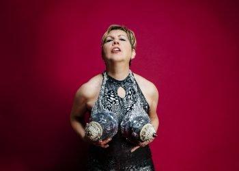 Alina Troyano/Carmelita Tropicana. Foto: Carlos David.