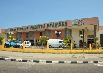 Centro Comercial Puentes Grandes, en La Habana. Foto: Habana por dentro / Archivo.
