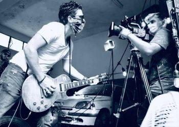 David Blanco reunió el talento de varios músicos cubanos en su versión de We will rock. Foto: Iván Soca.