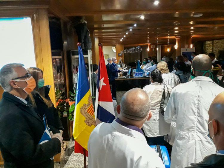 Brigada de médicos cubanos en el principado de Andorra. Foto: @embaCubaEspana/Twitter.
