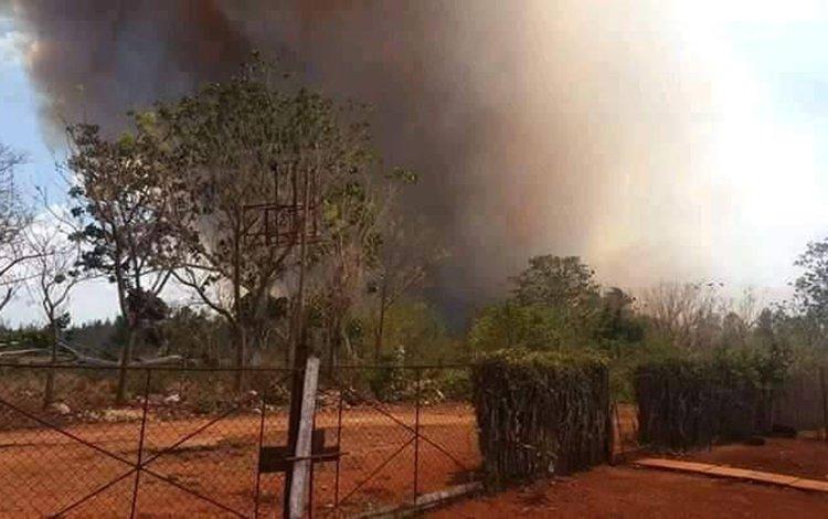 Incendio forestal en la comunidad de Motembo, al norte de Villa Clara, el 24 de abril de 2020. Foto: Livanis Moya / Vanguardia.