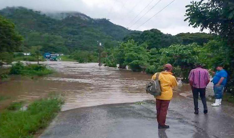 Una extensa área de fuertes lluvias y tormentas eléctricas ha afectado las provincias de Matanzas, Cienfuegos y Villa Clara. Foto: teveo.cu