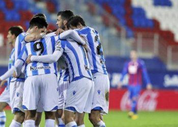 Partido entre la Real Sociedad y el Eibar, efectuado el 10 de marzo de 2020, antes de cierre de actividades deportivas por la Covid-19 en España. Foto: as.com