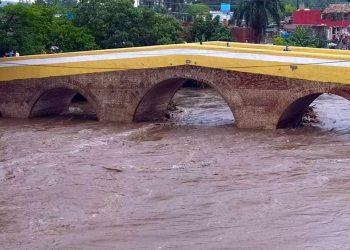 Crecida del Río Yayabo por intensas lluvias en Sancti Spíritus. Foto: escambray.cu