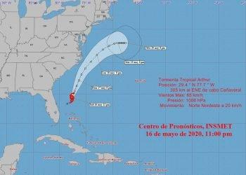 Se espera que en las próximas 12 a 24 horas la tormenta tropical continuará ganando algo más en organización e intensidad, se mueva con similar rumbo y con poco cambio en velocidad de traslación, para desplazarse por aguas del Saco de Charleston. Imagen: Instituto de Meteorología de Cuba