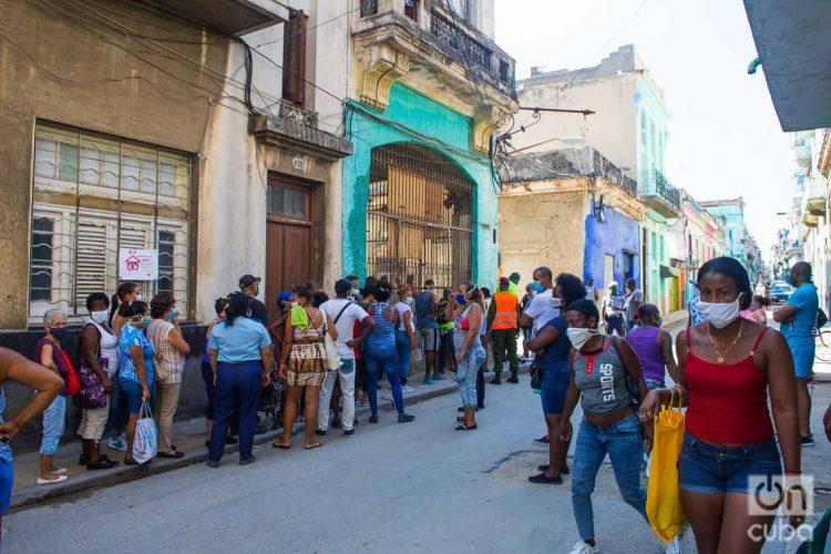 Cuba reportó 12 nuevos casos positivos de coronavirus y tres fallecimientos el 10 de mayo de 2020. Foto: Otmaro Rodríguez.
