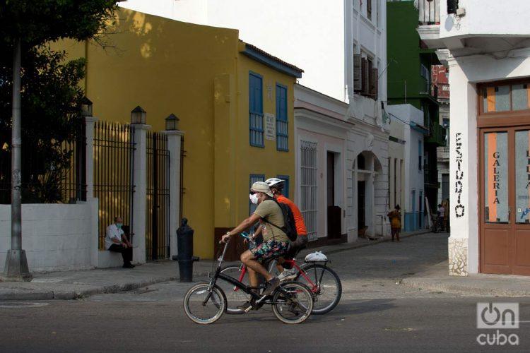 Cuba muestra un comportamiento a la baja de los contagios con el coronavirus, pero las autoridades sanitarias piden arreciar las medidas de control de la epidemia. Foto: Otmaro Rodríguez.