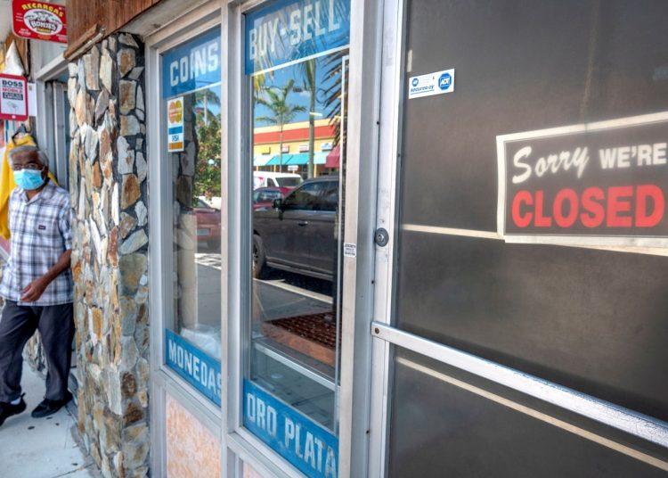 El lunes el condado Miami Dade abrió lentamente los negocios no esenciales. Foto: Cristóbal Herrera / EFE.