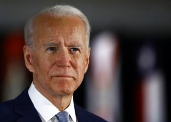 ARCHIVO - Foto de archivo, 10 de marzo de 2020, del candidato presidencial demócrata Joe Biden en conferencia de prensa en Filadelfia.  (AP Foto/Matt Rourke, File)
