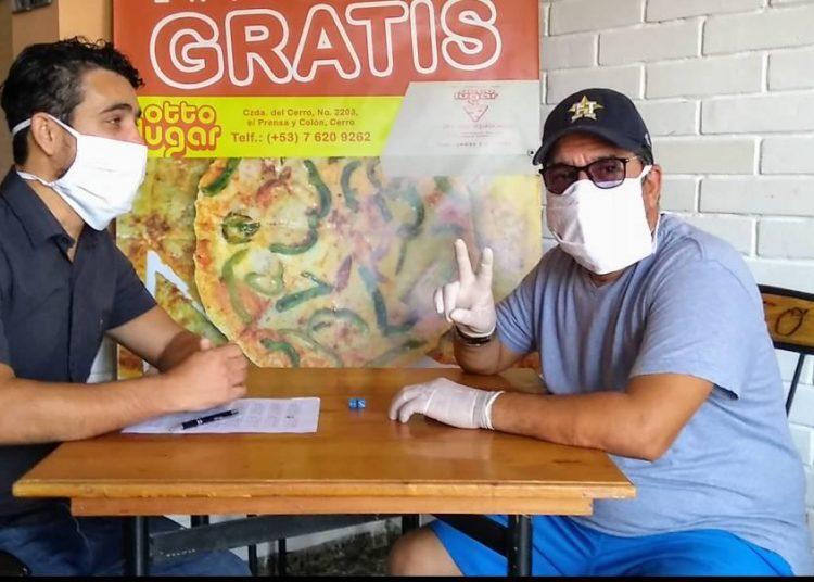 El humorista Otto Ortiz es una de las personalidades que se ha apuntado para lanzar los dados en la Serie Virtual del béisbol cubano. Foto: Tomada del Facebook de Reynier Batista.