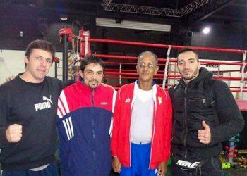 El profesor Leonel Viciedo (tercero de izquierda a derecha), durante su trabajo como entrenador en Argentina. Foto: jit.cu.